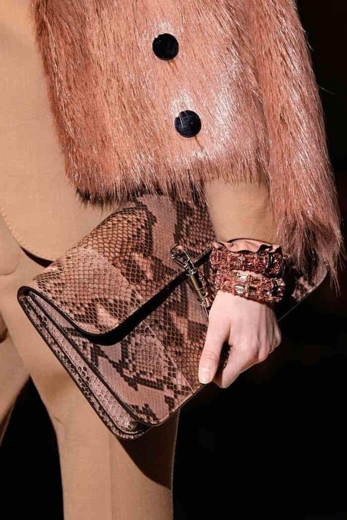 Geantă Gucci colecția 2014, sursa foto: vogue.com