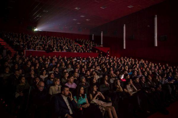 De_ce_eu-Premiera-Cinema_Pro_credit foto Adi Marineci