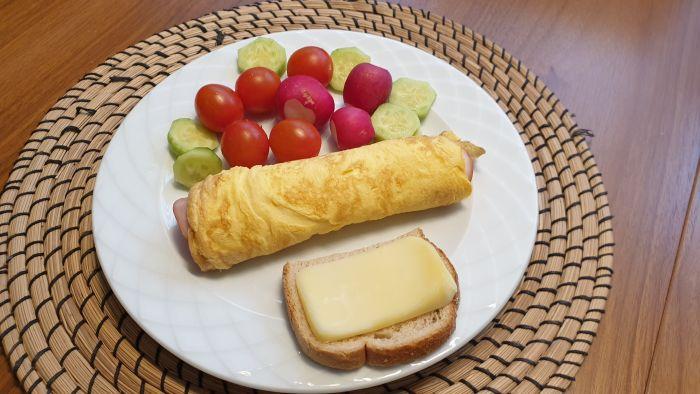 Omleta face parte din meniul pentru un mic dejun sănătos