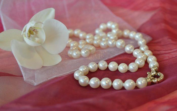 Bijuterii în tendințe 2021. perlelenu se demodează niciodată