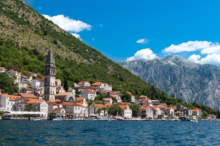Vacanță în Muntenegru - oraș Perast